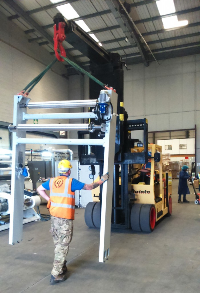 Quinto Crane & Plant Machinery Moving with the Versa